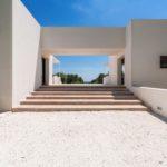 The minimalist exterior