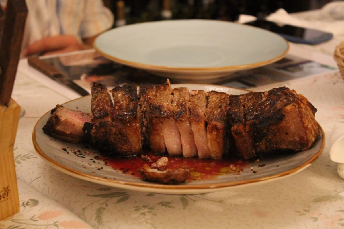 Restaurants and antipasti in Ceglie Messapica, amazing steak while on holiday with Villa Rentals Puglia